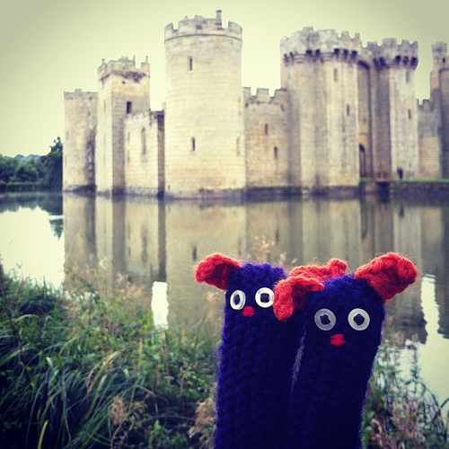 The #fingerwarmers discover that England has castles too. Bodiam castle, West Sussex