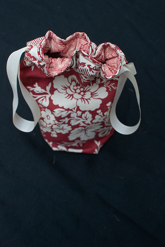 Drawstring bag - top down
